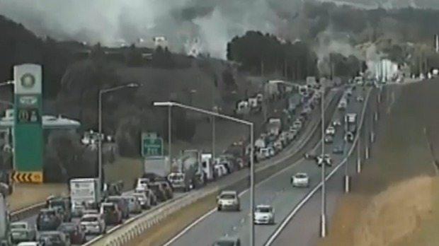 auckland traffic fire