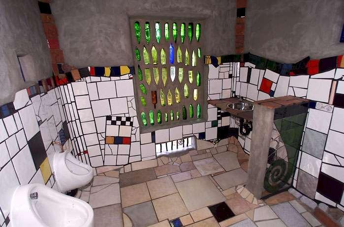 kawakawa toilet